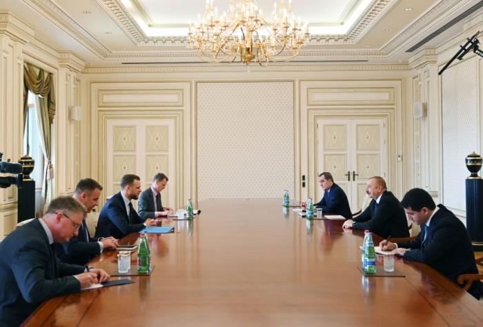 President Ilham Aliyev received delegation led by Lithuanian FM