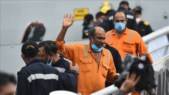 India: 22 bodies recovered after barge sinks off Mumbai