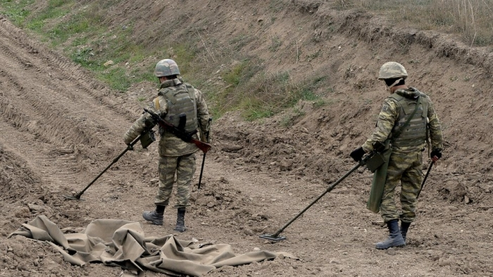 Minefield maps: Russia with Azerbaijan to the end?