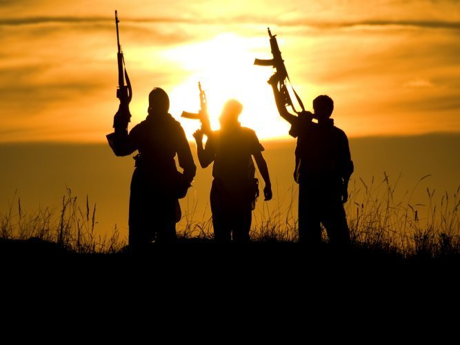Pakistan: 5 suspected militants killed in raid on hideout