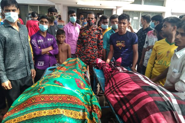 Bangladesh lightning strike kills 17 wedding party guests