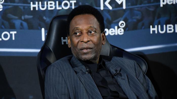 Brazilian soccer legend Pele leaves hospital