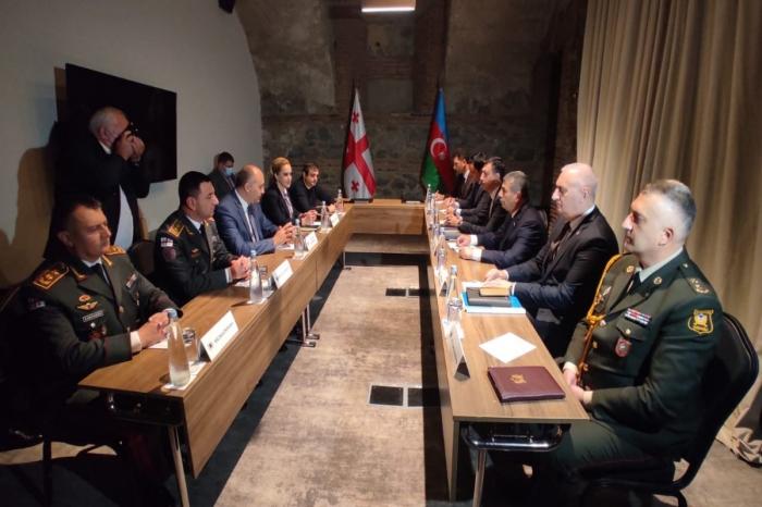 Azerbaijani and Georgian Defense Ministers hold bilateral meeting